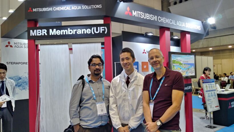 Mitsubishi Chemical Aqua Solutions – Faisal Hai from the University of Wollongong, Australia with Kyohei Ozaki of Mitsubishi Chemical Aqua Solutions, and Simon Judd at the MCAS stand | News Iwa 2018 Mcas
